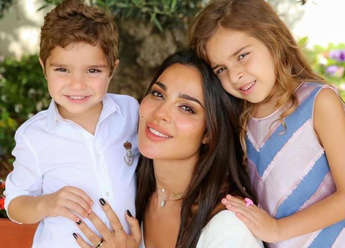 نادين نجيم وأولادها