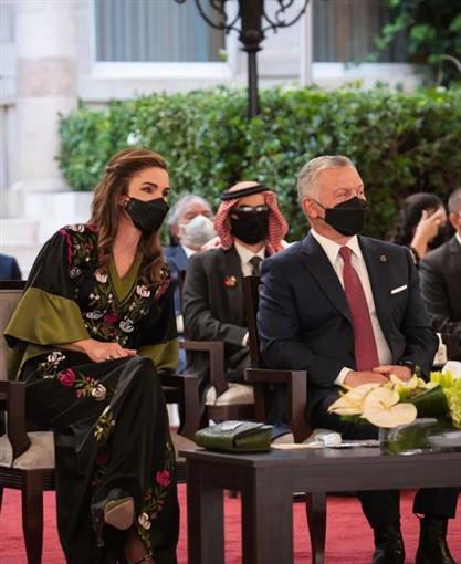 إطلالات الملكة رانيا