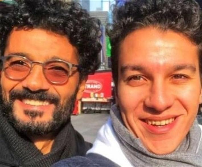 خالد النبوي يحصل على أول هدية في عيد ميلاده من ابنه نور (فيديو) thumbnail