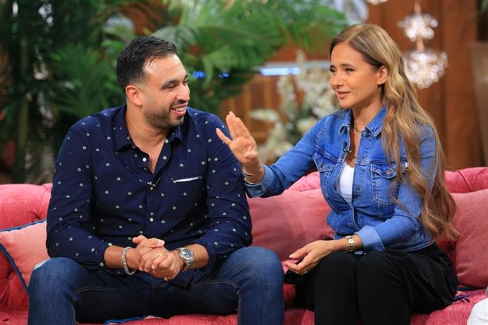 """نيللي كريم وهشام عاشور في أول ظهور إعلامي بعد الزواج في """"معكم"""" thumbnail"""