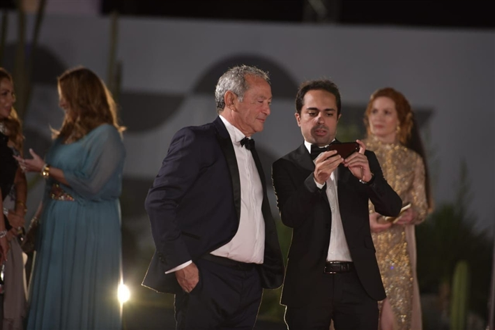 شادي أبو زيد مع سميح ساويرس في افتتاح الدورة الخامسة من مهرجان الجونة thumbnail