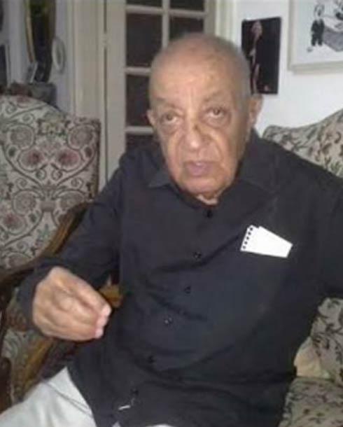الناقد مصطفى درويش