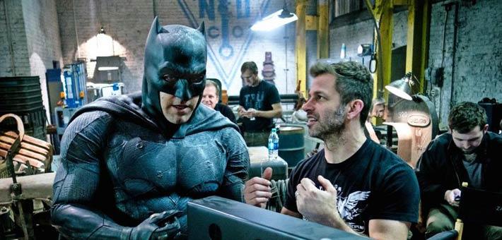 بن أفليك والمخرج زاك سنايدر في كواليس فيلم Batman v Superman: Dawn of Justice