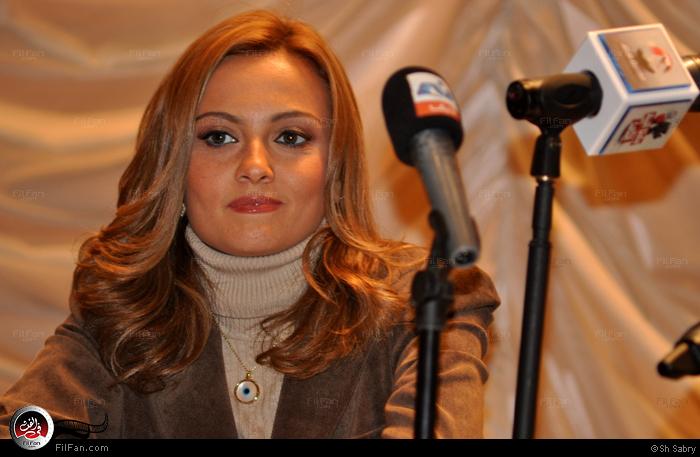 بشرى في ندوة الفيلم بنقابة الصحفيين