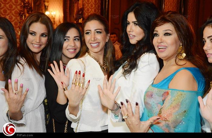 فيفي عبده وابنتها هنادي وإيمي سمير غانم ودرة