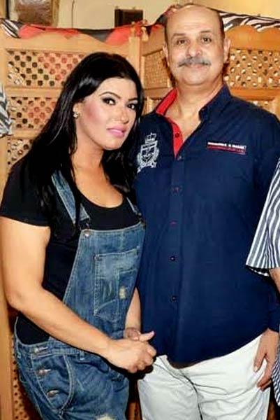 محمود الدسوقي وزوجته عزة مجاهد