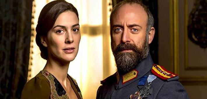 """هاليت أرجنتش وبيرجوزار كوريل من مسلسل """"أنت وطني"""""""