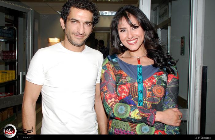 """عمرو واكد وحنان مطاوع أثناء تصوير """"لحظات حرجة"""""""