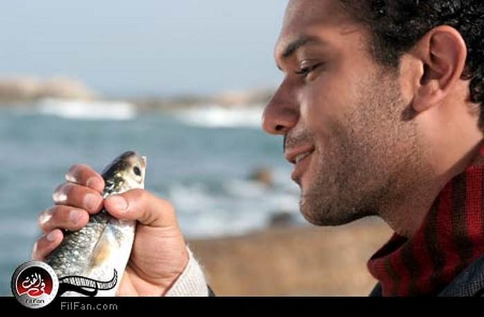 آسر ياسين في رسائل البحر