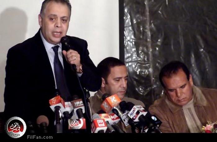 أشرف زكي نقيب الممثلين في المؤتمر وإلى جانبه كل من أشرف عبد البافي وفتوح أحمد