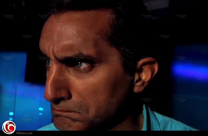 """باسم يوسف في إعلان حلقته مع قناة """"دويتشه فيله""""."""