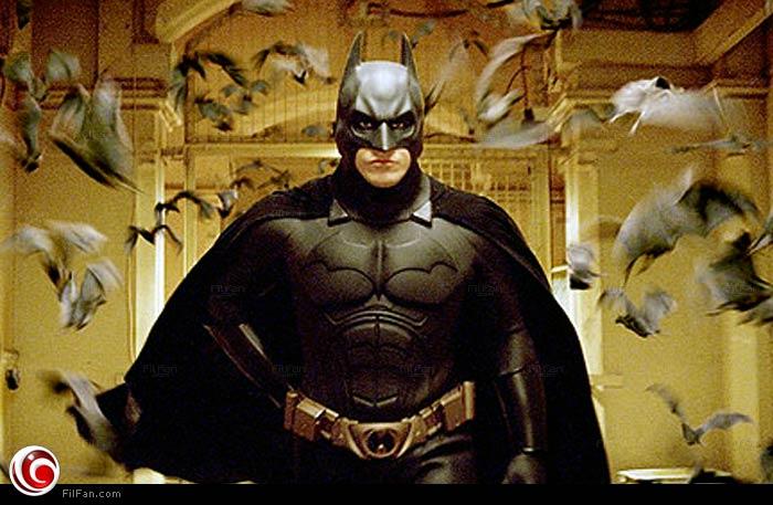 """كريستيان بيل في دور """"باتمان"""" في Batman Begins"""