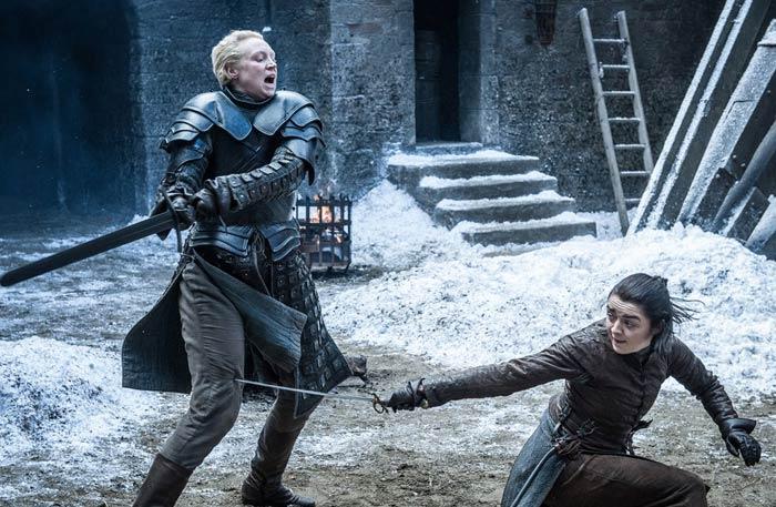 أريا ستارك تبارز بريان في الحلقة الرابعة من Game Of Thrones