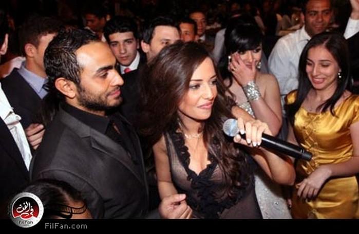 راندا وتامر حسني في فرح الصحفي أحمد إسماعيل