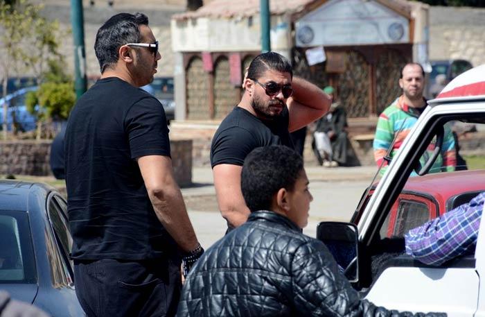 خالد سليم في جنازة والده