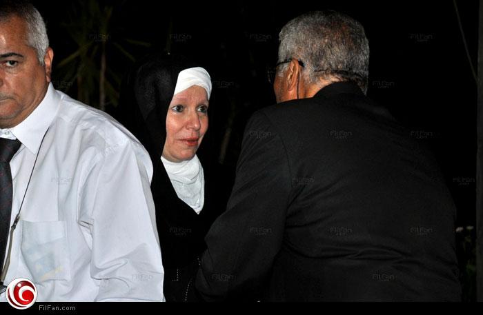 مشيرة إسماعيل في تقدم واجب العزاء لسيف عبد الرحمن