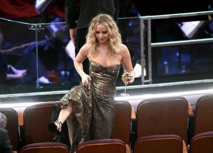 """أوسكار 2018 - أطرف 5 مواقف في الحفل .. """"جيت سكي"""" وممثلات حافيات"""