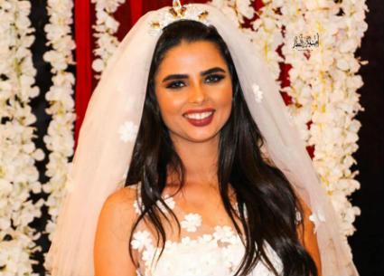 """14 صورة- إطلالات متنوعة لفرح علي في """"ليلة الحنة"""".. ساري هندي وفستان زفاف قصير"""