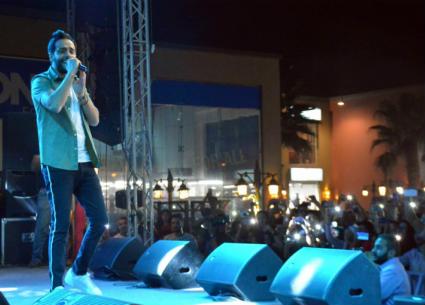 """بالصور- رامي جمال يحتفل بألبومه """"ليالينا"""" في حضور زوجته ومنة فضالي"""