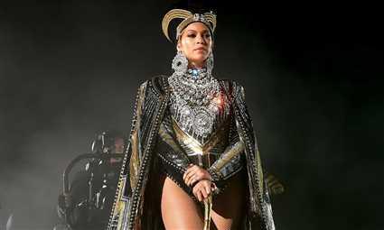 #شرطة_الموضة: بيونسيه ملكة فرعونية في Homecoming