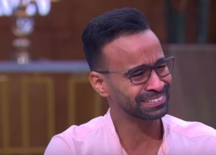 بالفيديو- محمود الليثي يبكي بعد الحديث عن معاناته قبل دخول مجال التمثيل