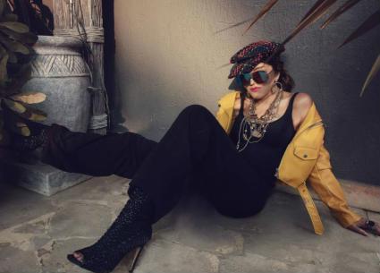 6 صور- سميرة سعيد تبهر جمهورها بإطلالة شبابية في أحدث جلسة تصوير