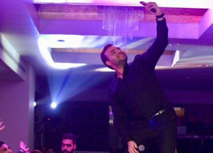 33 صورة- رامي صبري يتألق بحفلين ليلة راس السنة