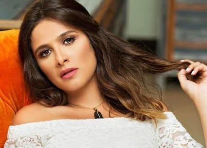 بالصور- هكذا تجاهلت ياسمين عبد العزيز زواج ريهام حجاج ومحمد حلاوة