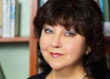 شاهد لحظة وفاة مغنية روسية في حفلها على المسرح