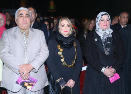 27صور- عائلة شادية ونجوم الفن في احتفاليه ذكرى ميلادها بالهناجر