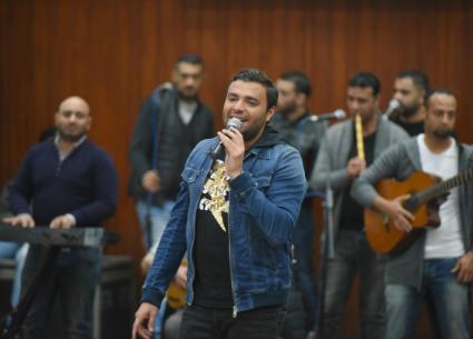 26 صورة من حفل رامي صبري بجامعة المنصورة