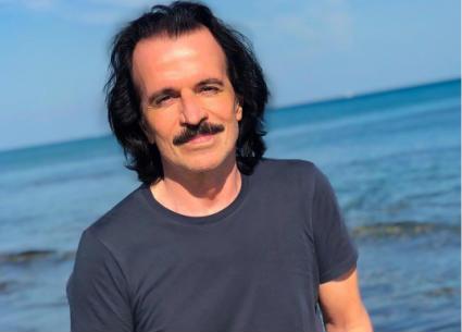"""""""ياني"""" يخترق شواطئ القلوب في مصر"""