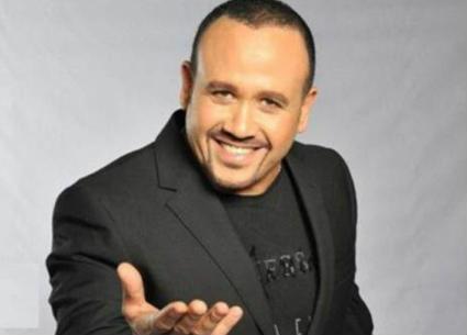 بالفيديو- علامات ونجاحات في مشوار هشام عباس