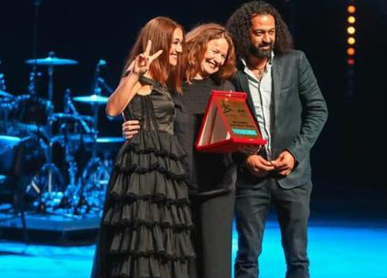 """لبنى نعمان تخطف جائزة """"TV5 Monde"""" الفرنسية في أيام قرطاج الموسيقية"""