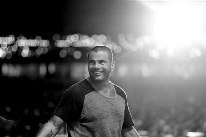 بالأرقام- عمرو دياب المطرب العربي الأكثر استماعا حول العالم