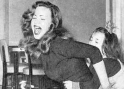 في ذكرى ميلادها الـ88.. صور نادرة لهند رستم أبرزها في مراهقتها