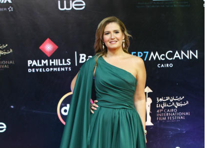 إطلالات النجمات في افتتاح مهرجان القاهرة السينمائي