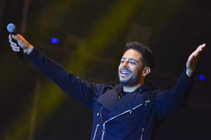 """بالفيديو- محمد حماقي شاهد على قصة حب في كليب """"راسمك في خيالي"""""""