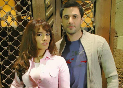 بالفيديو- زينة تروي تفاصيل زواجها من أحمد عز