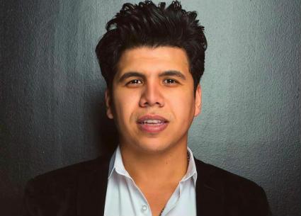 عمر كمال يحتفل بوصول متابعيه على Instagram للمليون