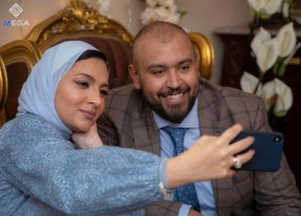 بالصور- خطوبة نجم مسرح مصر