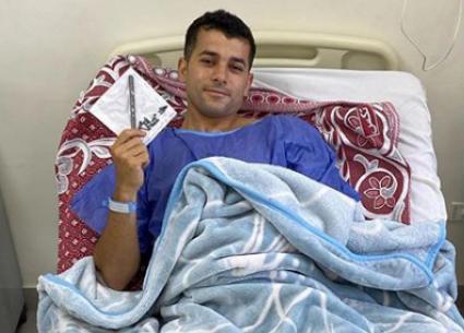 من غرفة العمليات... رامز أمير ينشر صورة ويكشف تفاصيل إصابته الخطيرة