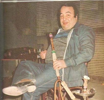 """كان يونس شلبي من أكثر الفنانين الذين قدموا أفلام المقاولات خلال حقبة الثمانينيات، وظهر بطلا في أفلام عديدة وحصل على أجر كبير في هذا الوقت ومن هذه الأفلام """"مغاروي في الكلية""""، """"سفاح كرموز""""، """"الشاويش حسن"""""""