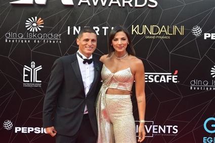 عمرو منسي وزوجته