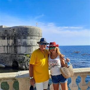 مصطفى فهمي وزوجته من إجازتهما في كرواتيا