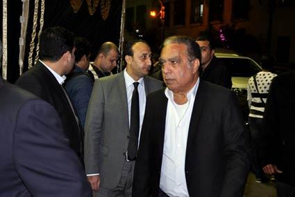 """عادل إمام وعمرو أديب ومحمود سعد في عزاء """"الجورنالجي"""" محمد حسنين هيكل"""