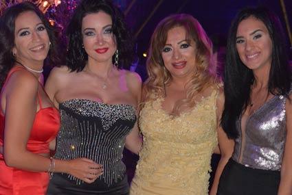 ممدوح موسى يحتفل بزفاف ابنته في حضور لوسي ودينا وسما المصري