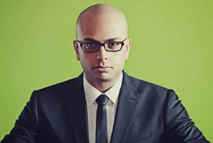 """خاص - أحمد مراد لـ""""في الفن"""": أوافق على التصنيف الرقابي +18 لفيلم """"تراب الماس"""".. يحتاج لعقول معينة"""