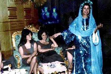 17 صورة- شادية في كواليس تصوير أعمالها.. صداقات وحب وعفوية