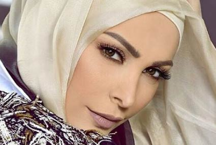 صورة- أمل حجازي توضح حقيقة خلعها الحجاب